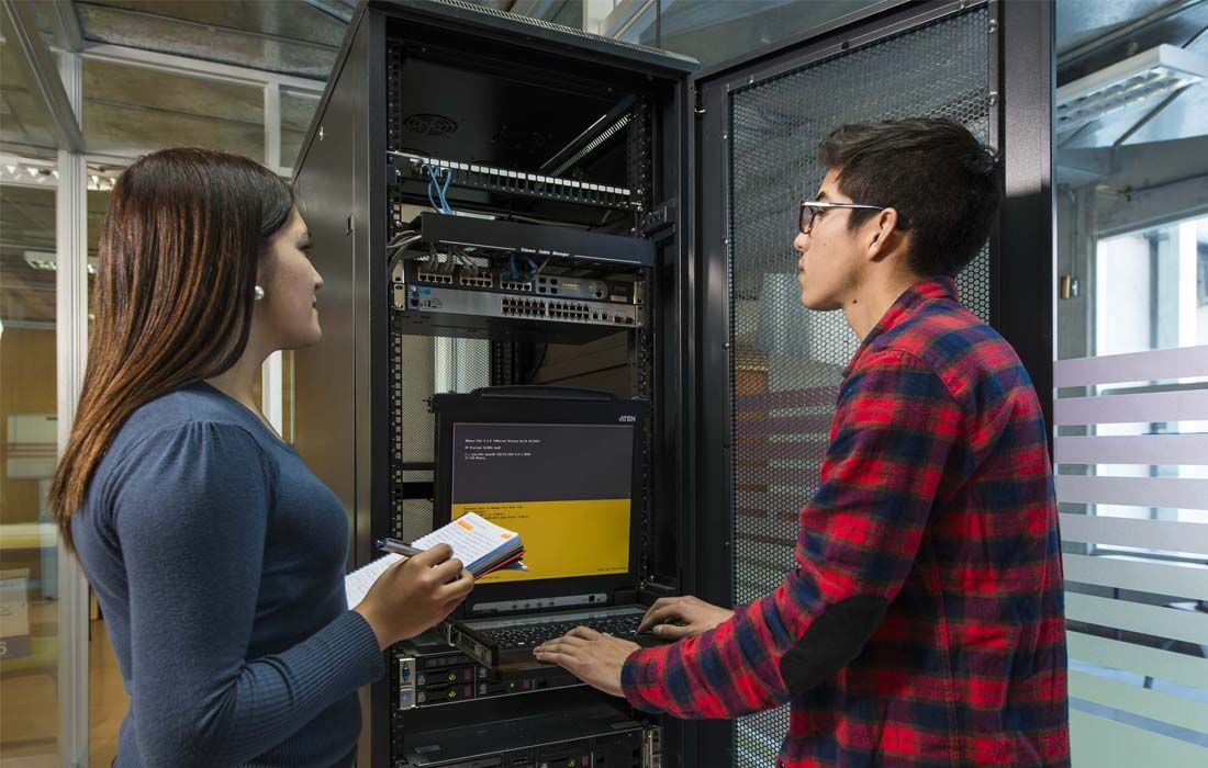 Programa Especial de Ingeniería de Ejecución en Computación e Informática
