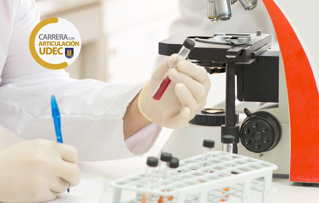 Técnico Laboratorista Clínico y Banco de Sangre